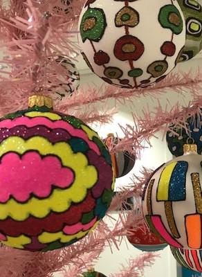 Pretty in Pink with Thomas Glenn Holidays