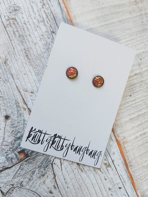 Shimmering stud earrings by Knitty Kitty Bang Bang