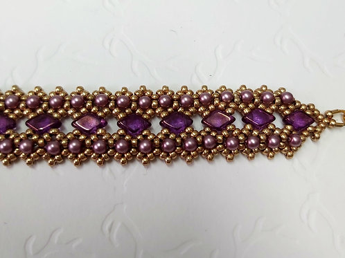 Handwoven beadwork bracelet by Bumblebead Crafts
