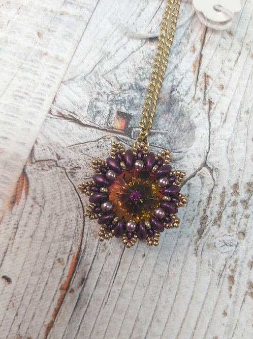 Beaded jewelled with gold chain