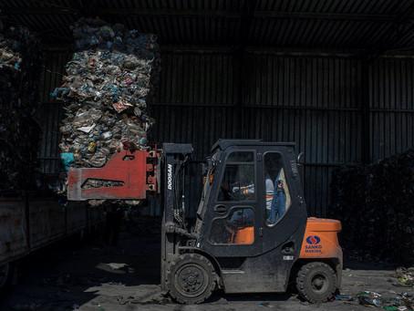 Riciclare la plastica ha davvero senso?