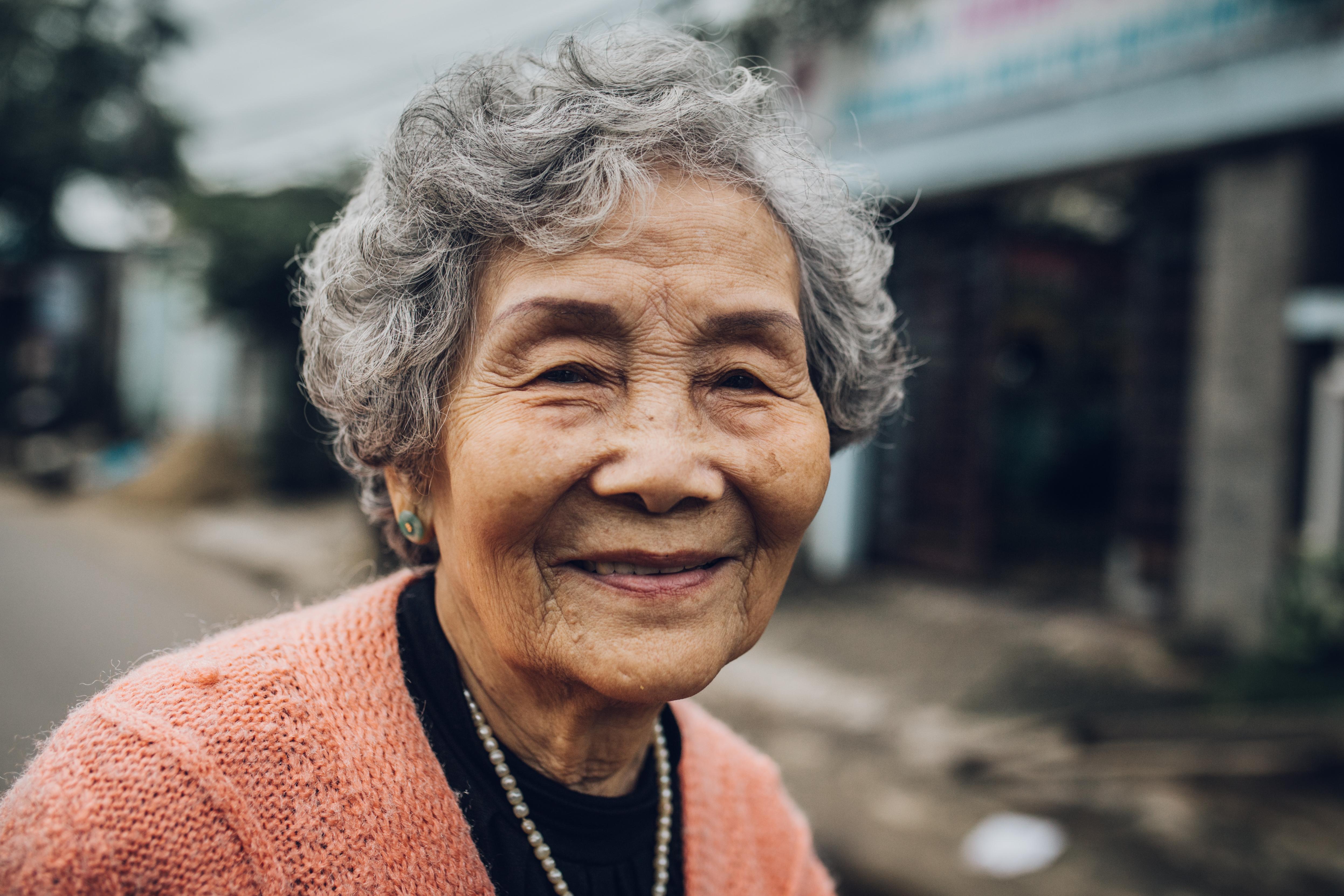 MaiThiThuyLien-LamBanh-KimLong-Hue122016_3374