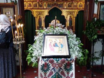 Праздничное богослужение в Престольный праздник монастыря: День Святой Троицы