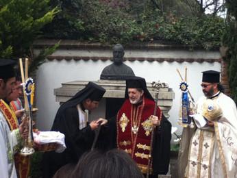 Архимандрит Нектарий приглашен в греческий Кафедральный Собор в Мексике