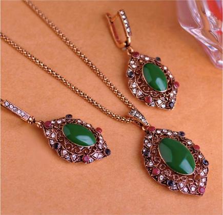 """""""Zeina"""" - Classy Dark Emerald Set"""