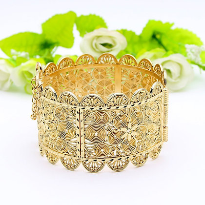 """Nailah"" - Gold Scroll Bangle"
