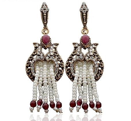 """""""Derin"""" - Ruby Vintage Pearl Earrings"""