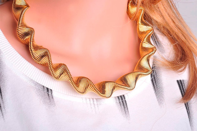 """Dibi"" - Gold Twist Necklace"