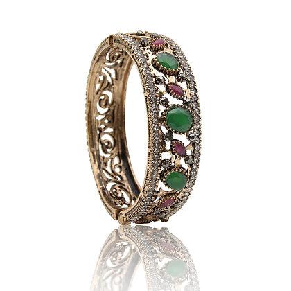 """Hayam"" - Emerald Artistry Bangle"
