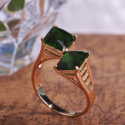 """Saida"" - Emerald Cubes Ring"