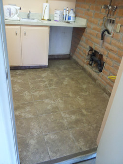 UTILITY ROOM TILE FLOOR