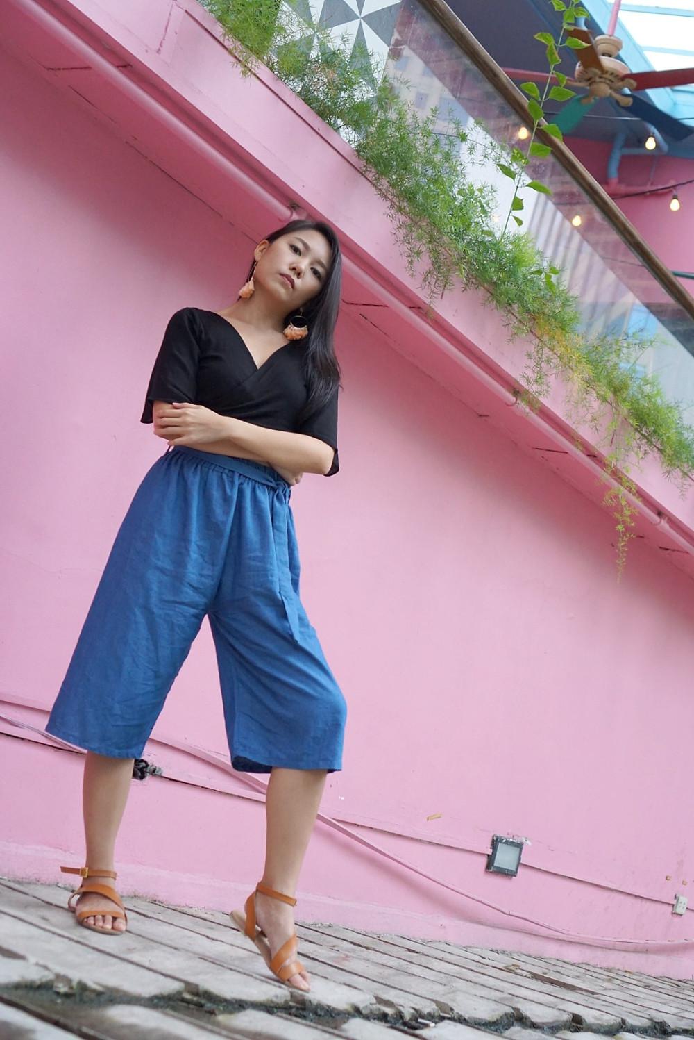 Yabang pose