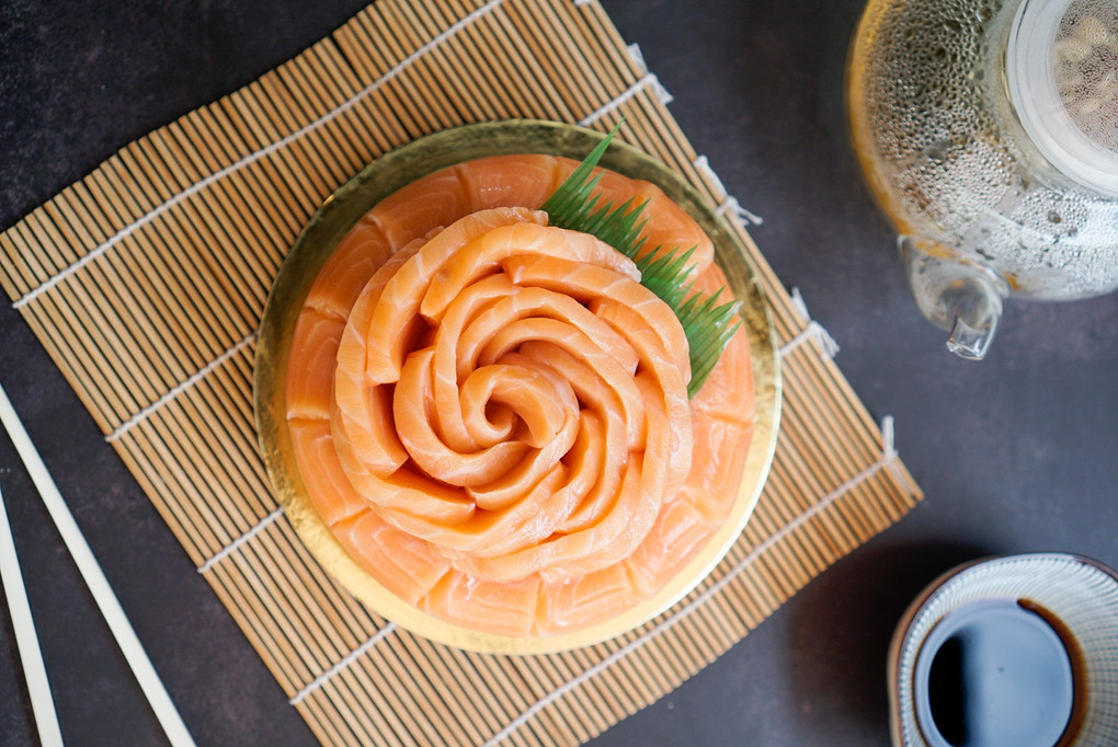 Pebu-approved Salmon Sashimi Cake from Salmon HQ for CNY