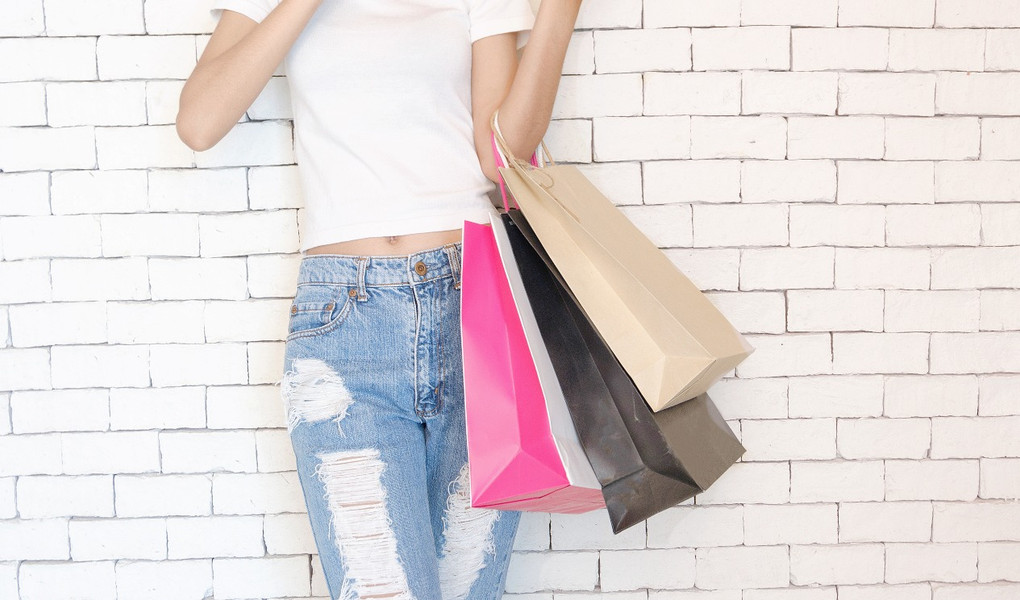 How to Successfully Shop During 'SALE'