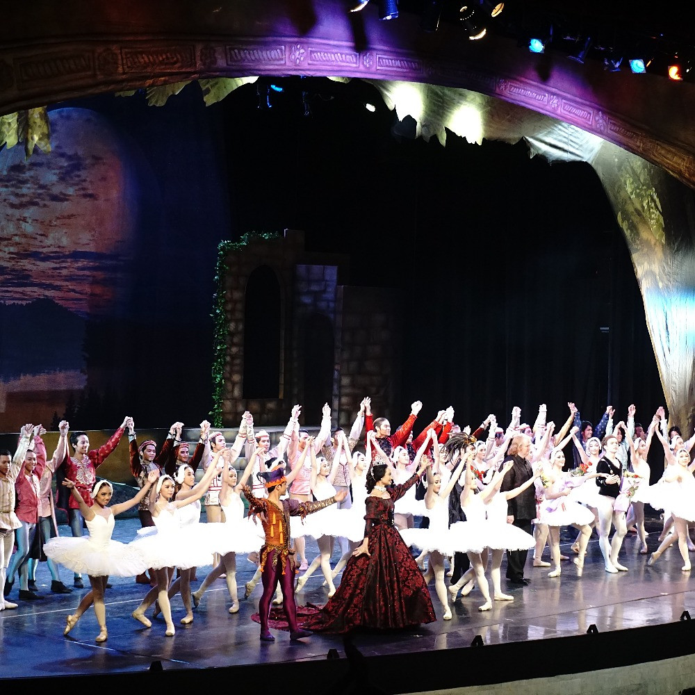 7 Bravo! Moments From Ballet Manila's Swan Lake Show