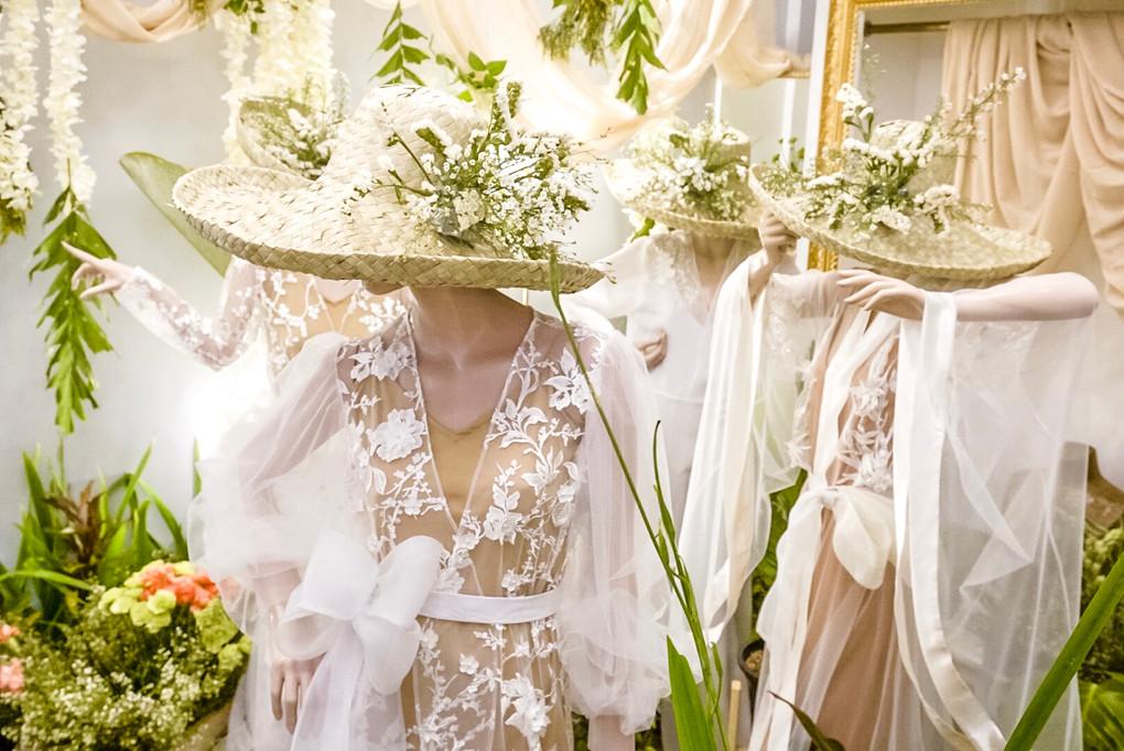Happy Andrada Spring Summer 2020 Bridal Dressing Robe Collection