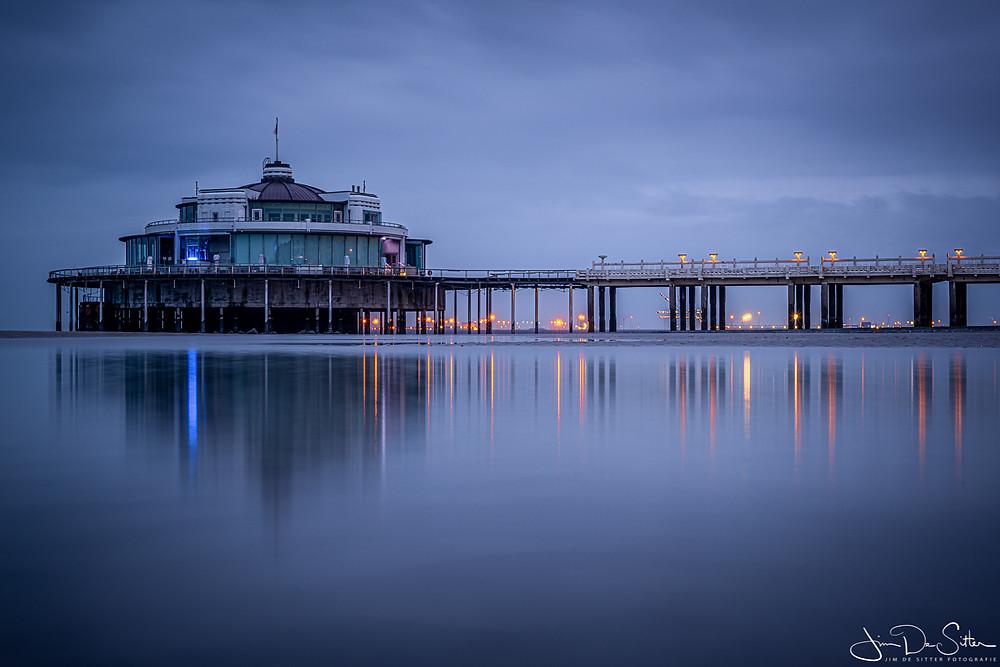 De pier van Blankenberge 's avonds