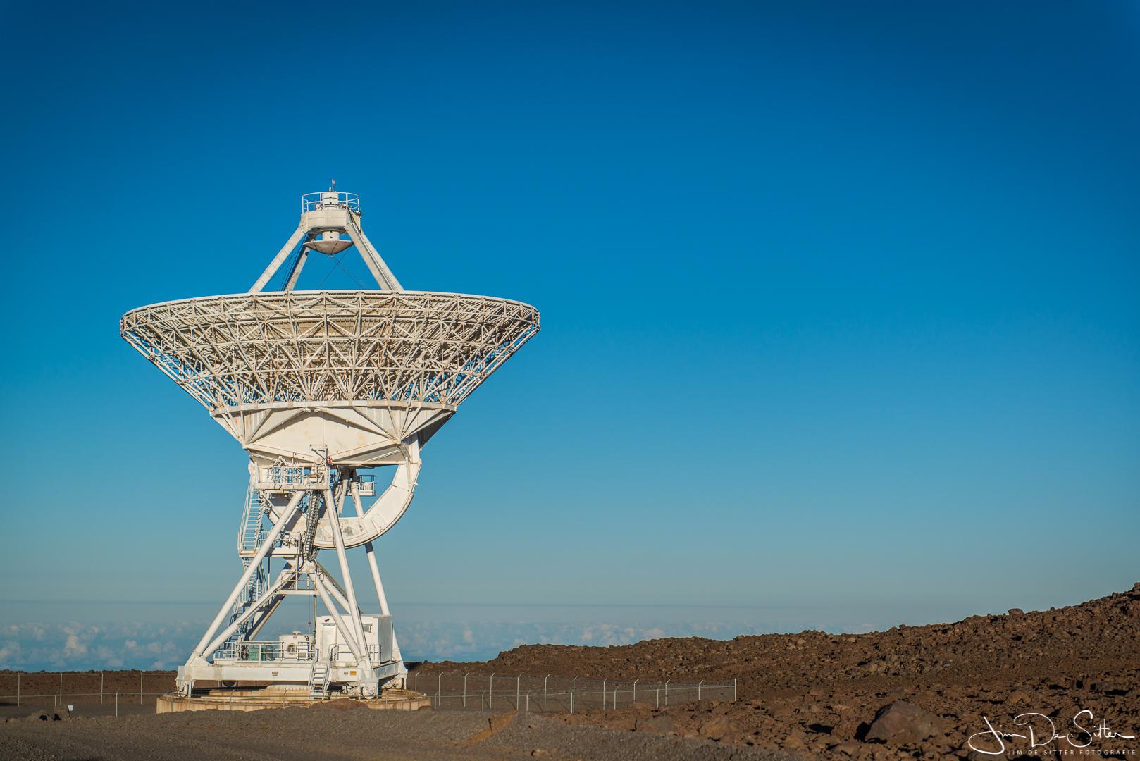 Landschapsfoto : Een radiotelescoop op de Mauna Kea in Hawaii