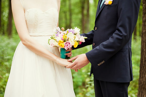 Fun wedding vows for modern couples