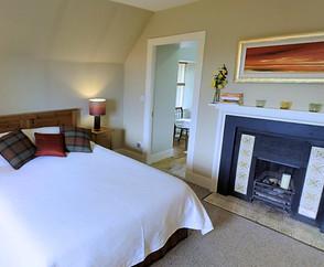 Loth bedroom