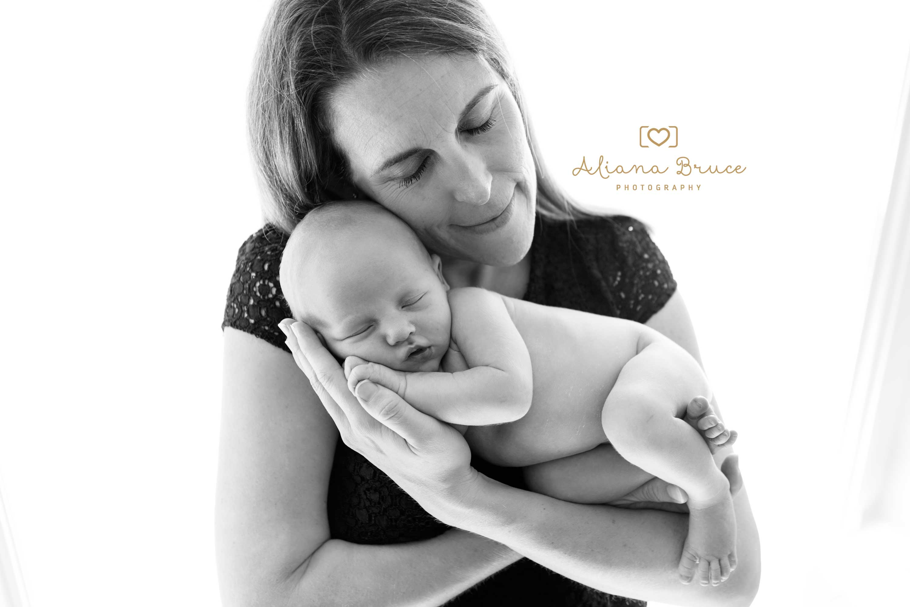 newborn baby photo guildford