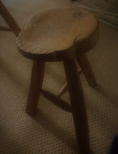 skull stool.jpg