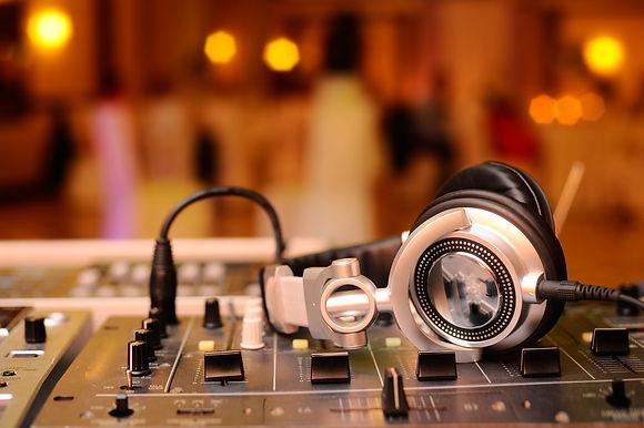 Rent DJ Equipment Gainesville Florida, DJ service, wedding DJ, DJ for event, party DJ, corporate DJ