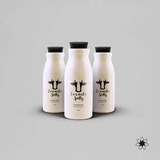 Emballage lait entier bio.