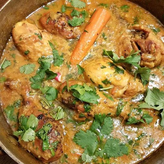 Kuku Paka. Golden Curry coconut milk chi
