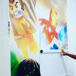 O quarto do Pedro e Miguel ficou muito mais irado com esse adesivo de parede