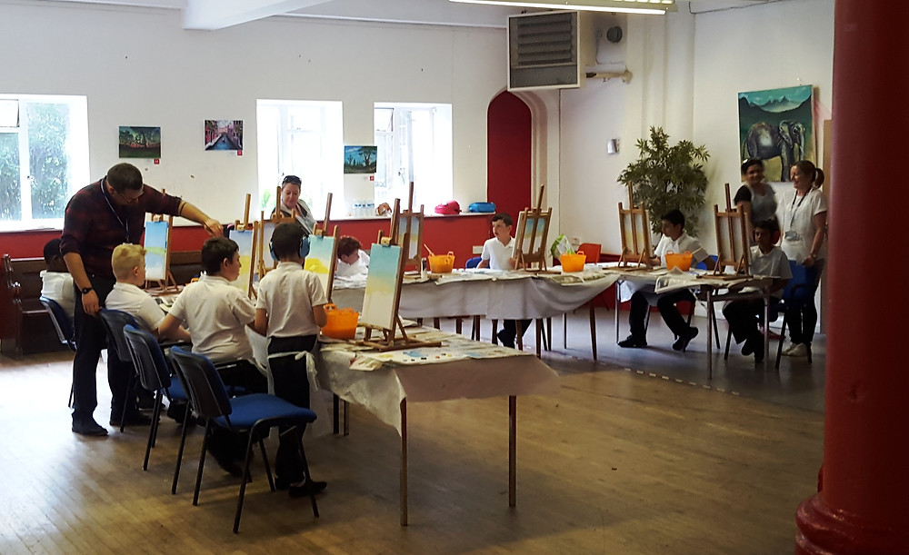 Today Inglehurst Junior School visited Leicester Art Zone. 9 school children learned how to paint a simple landscape by the help of Artist Agayev. Many thanks to Richard Smith, Inglehurst DSP and other teachers who give support to children during the painting session.