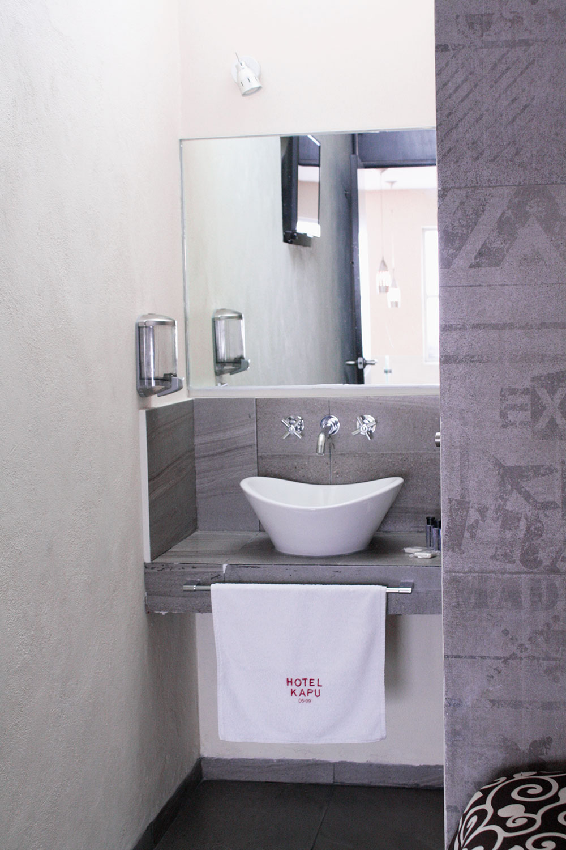baño-limpio-hotel-kapu-puebla