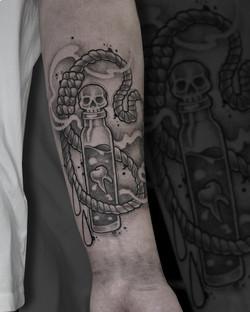 Tattoo Zincik - Poison black tattoo