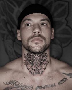 Tattoo Zincik - lion neck tattoo mandala