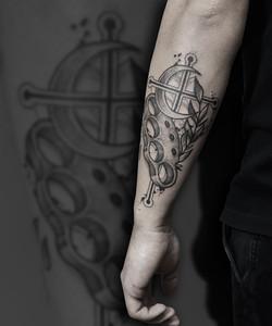 Tattoo Zincik - Knuckle duster