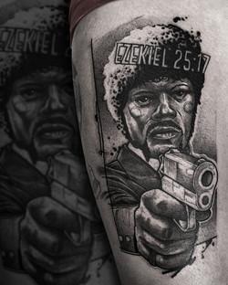Tattoo Zincik - Pulp fiction black tatto