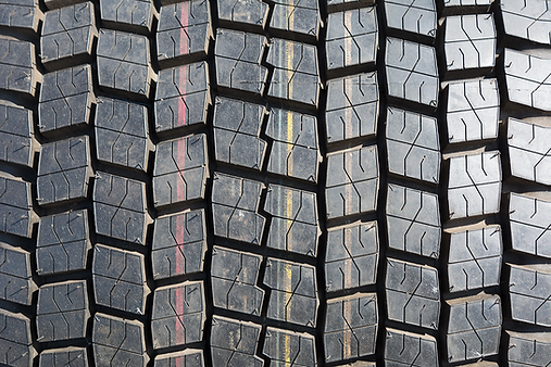 truck-tire-texture-background-MQ86G4W.pn