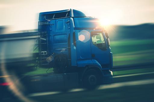 semi-truck-transportation-PX5CGD3.png