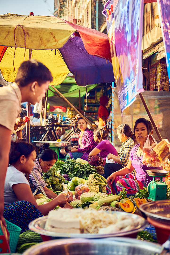 Selling at the market Myanmar