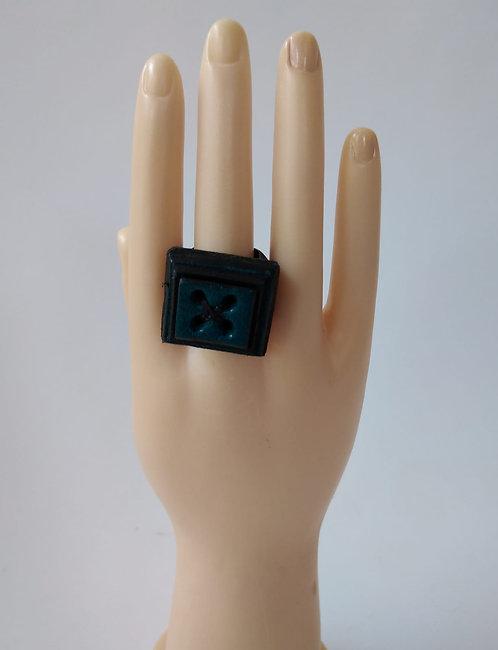 טבעת עור ריבוע טורקיז