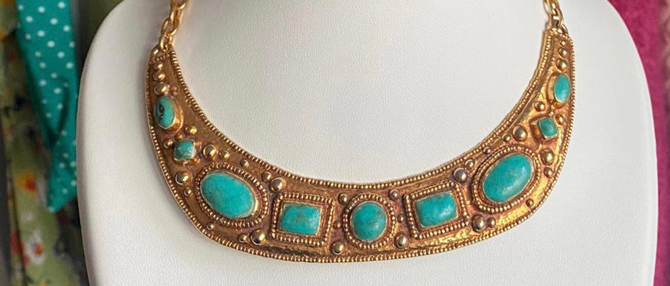 Stunning gold-plated P&M Paris necklace