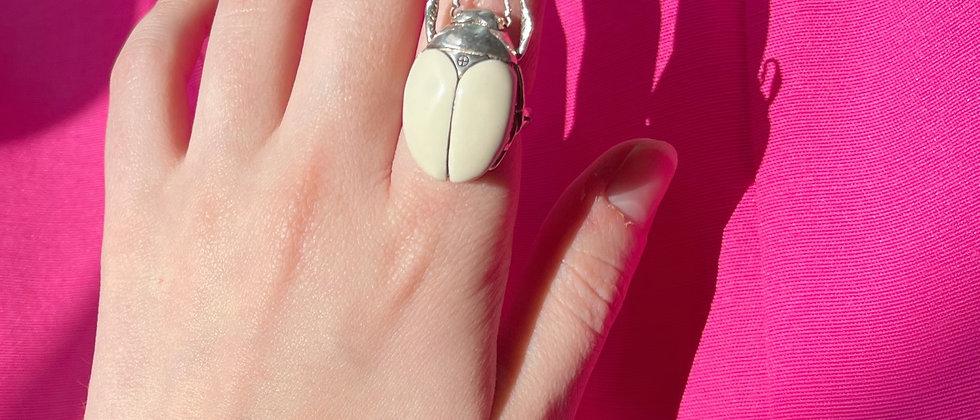 Beetle secret ring