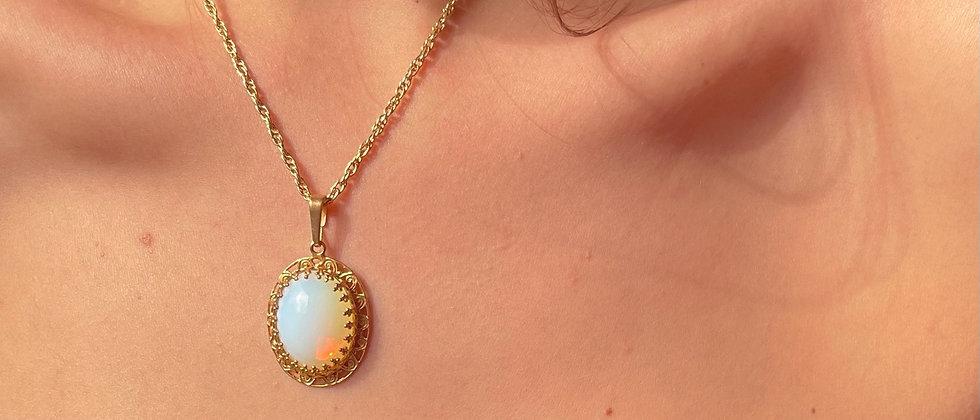 Cute iridescent necklace