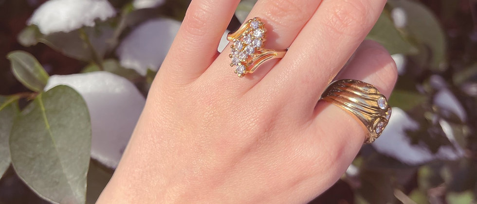 Vintage shiny golden ring t.51