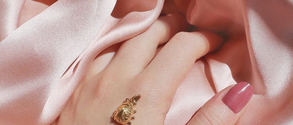 Cute 18kt gold plated ladybug pendant