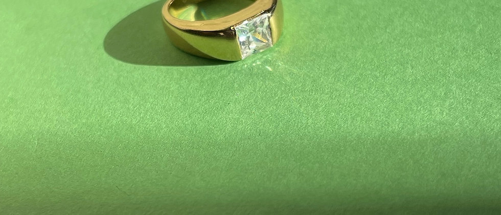 18kt gold-plated silver square solitaire ring