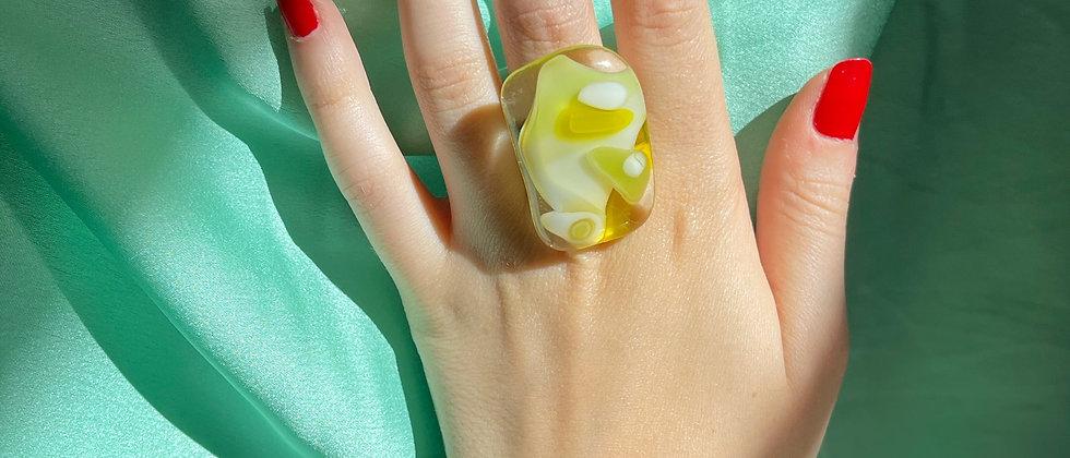 Lemon glass ring
