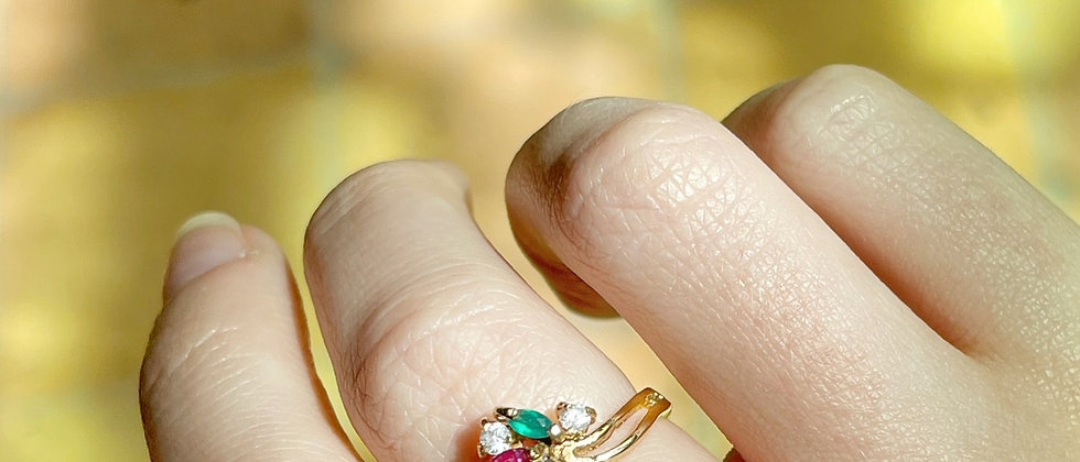 Very nice 18kt gold plated moving flower ring
