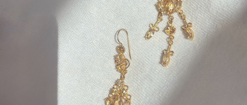 Shiny long citrines earrings