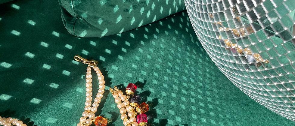 Glamorousnecklace and bracelet set
